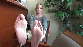 Sweet Blonde Feet