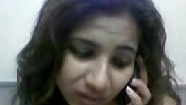 desi girl nude talking on phone