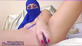Amateur Arab In Hijab Niqab Masturbates Her Egyptian Pussy With Toys