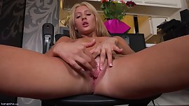 Addison Ryder Plays With Pussy