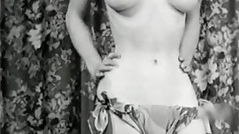 TEEN QUEEN - vintage petite cutie teases